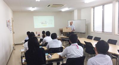 株式会社コマガタ 学生の企業見学ツアー 説明